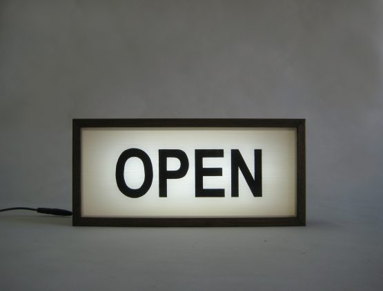 open-sign-wooden-lightbox (2)